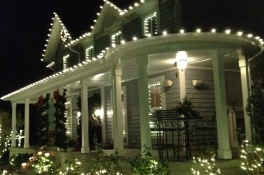 christmas light hanging services in round hill va - Christmas Light Hanging Service