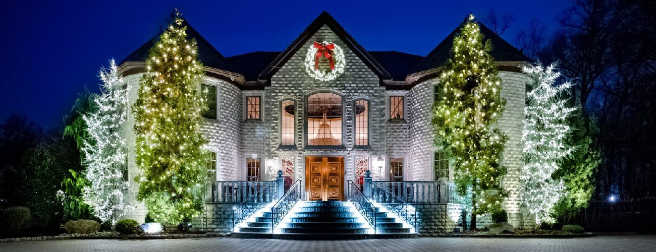 christmas decor by manor works painting full service holiday light decorating servicing the dc area - Christmas Light Decorating Service